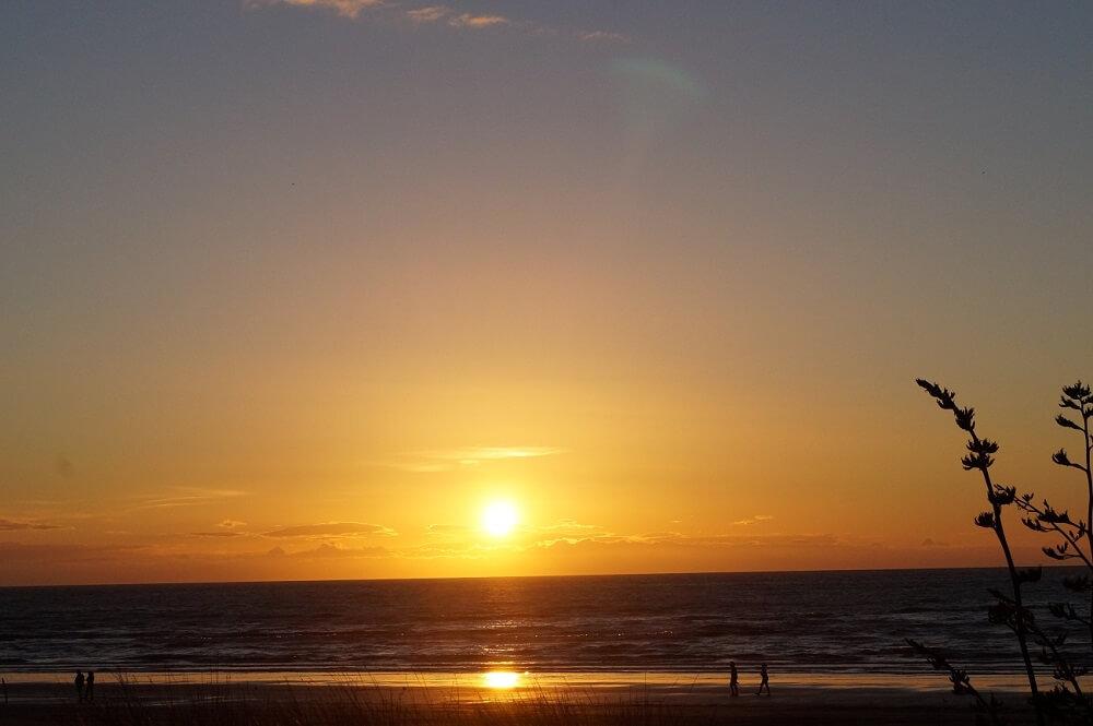 Sonnenuntergang am Strand von Paraparaumi in Neuseeland