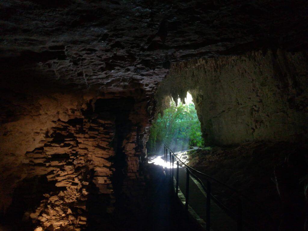 Eingang der zweiten Höhle in Waitomo