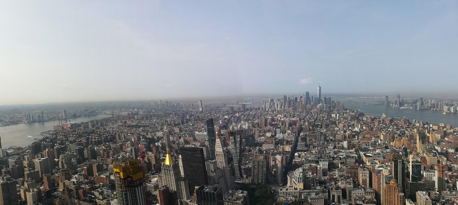 Blick vom Empire State Building auf Lower Manhatten eines unserer New York Highlights