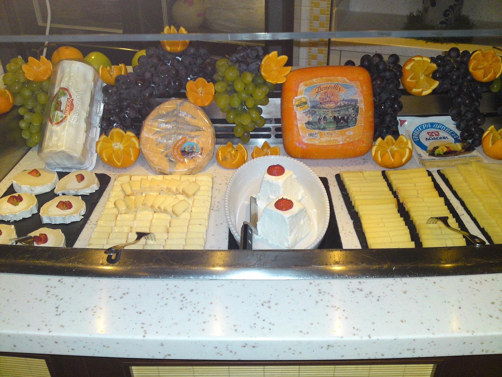 Ein Teil des Frühstücksbuffets an unserem Seetag auf Aida Prima
