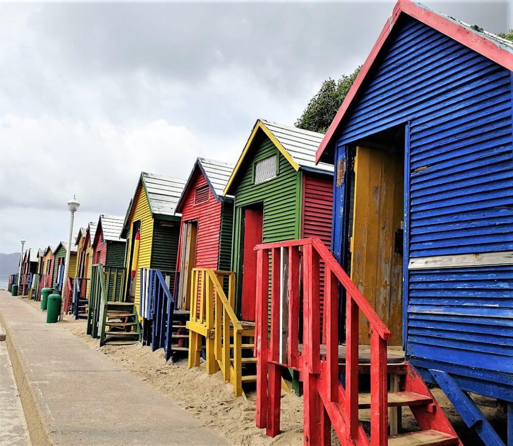 am Strand von St. James in Südafrika