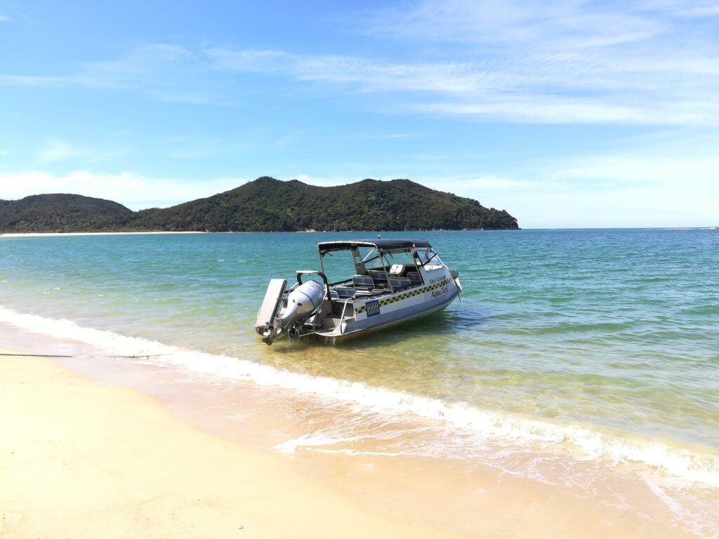 Waser Taxi im Abel Tasman eines unserer Neuseeland Highlights auf der Südinsel