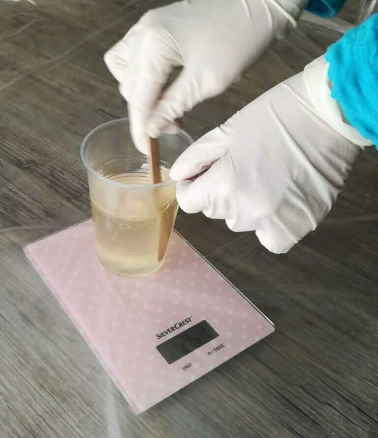 Resin mischen und vorbereiten 3